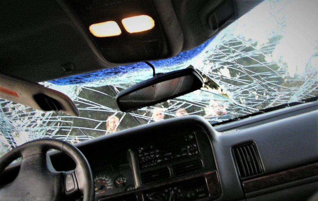 slupana, kola, sudar, udes, saobracajna, nesreca,