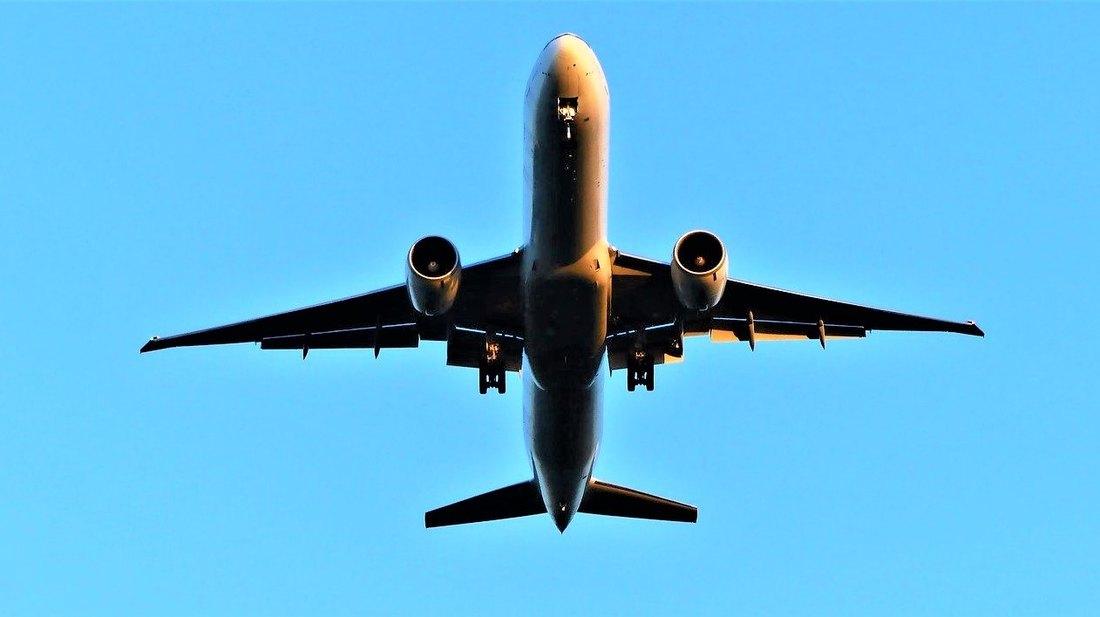 авион, лет