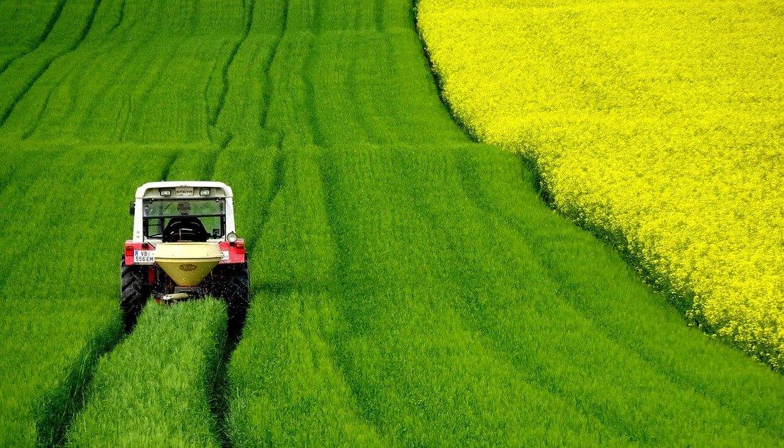 poljoprivreda, njiva, zemlja, traktor