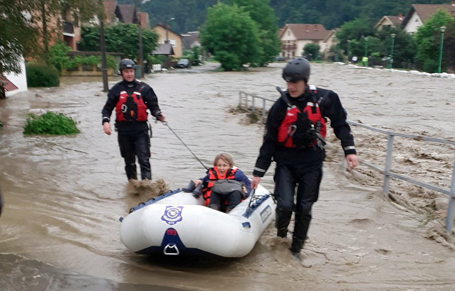 poplave, poplava, ljubovija, camac, spasavanje