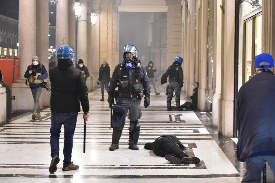italija,, protesti,, korona,