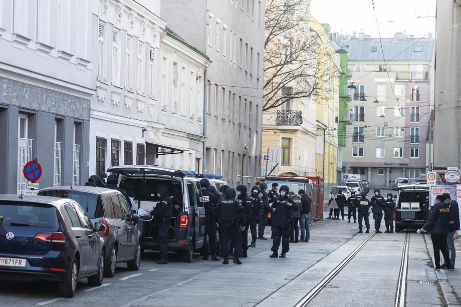 beč, austrija, džamija, upad, policije, terorizam