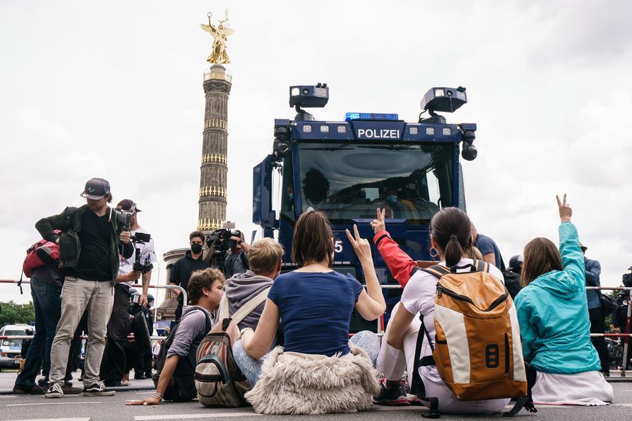 berlin, nemacka, protest, kovid